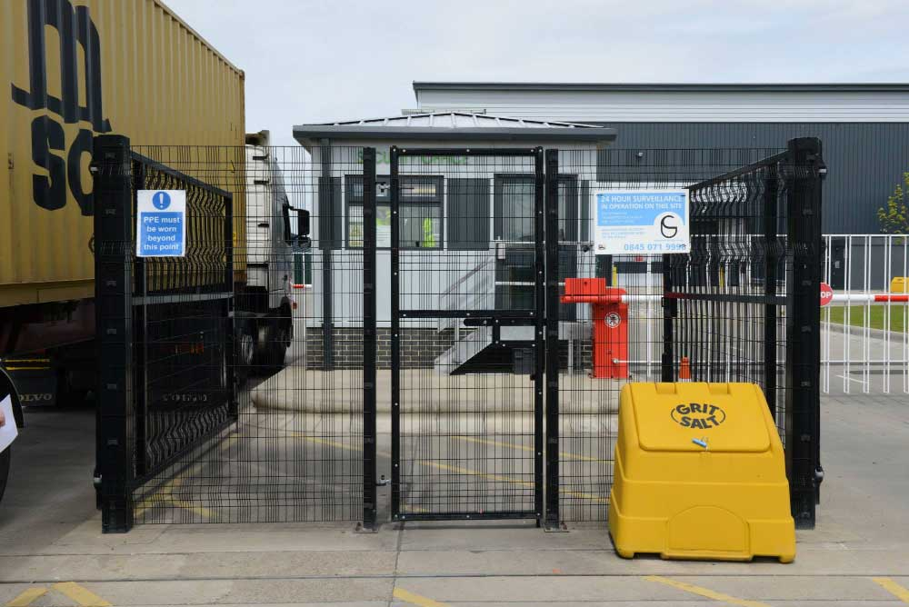 2.40m High Paladin FX Entrance at Clipper Logistics, Wynyard Park, North England.